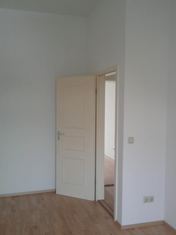 2 raum wohnungen in chemnitz. Black Bedroom Furniture Sets. Home Design Ideas